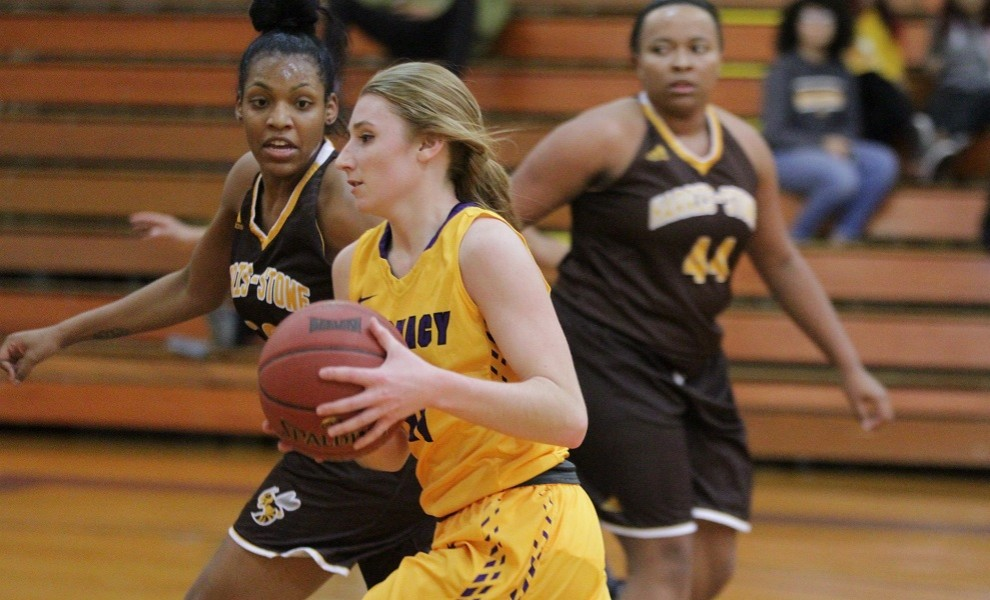 Allison Dewald had 10 points, 3 steals, and 3 assists against the Stars. Photo by Kathy Arnold.