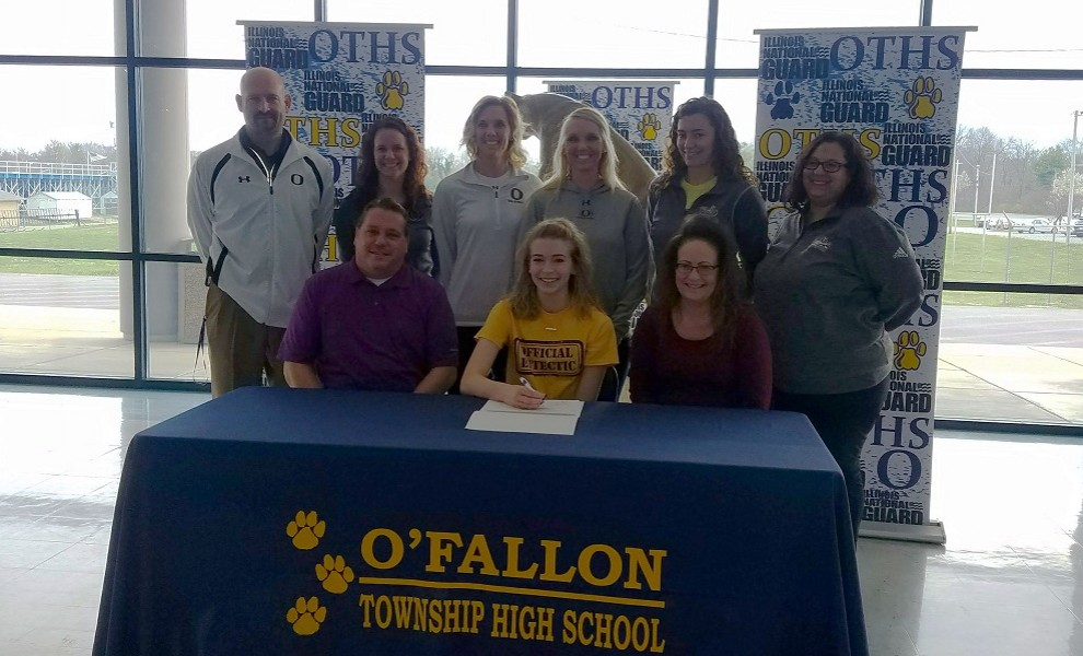 Cassady Reno signs a letter of intent to play volleyball at STLCOP.