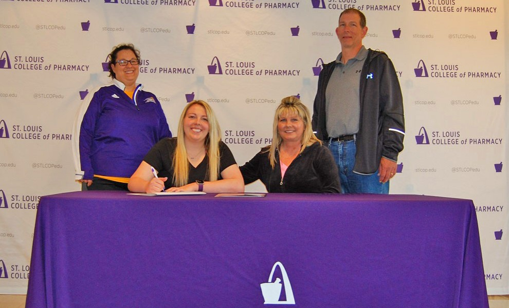 Keelyn Stein signs a letter of intent to play softball at STLCOP.