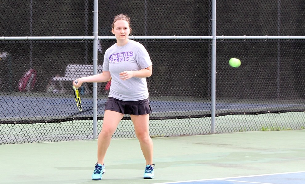 Masha Kurenok won at No. 3 singles against OCU. Photo by Kathy Arnold.